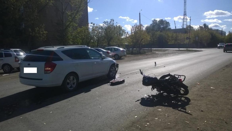 Несовершеннолетний мотоциклист попал в ДТП на улице Центральной
