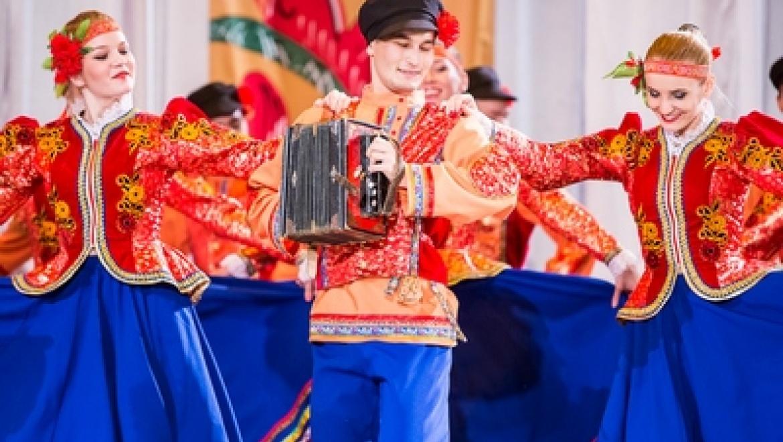 В Казани выбрали красну девицу и доброго молодца