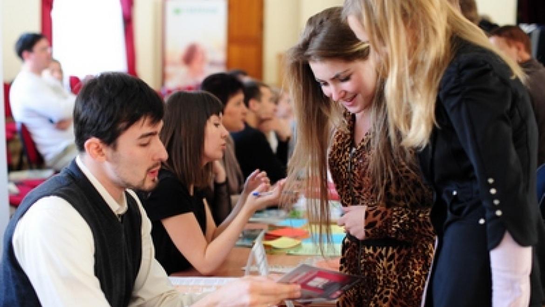 Больше двух тысяч жителей Казани посетили ярмарку вакансий в Авиастроительном районе