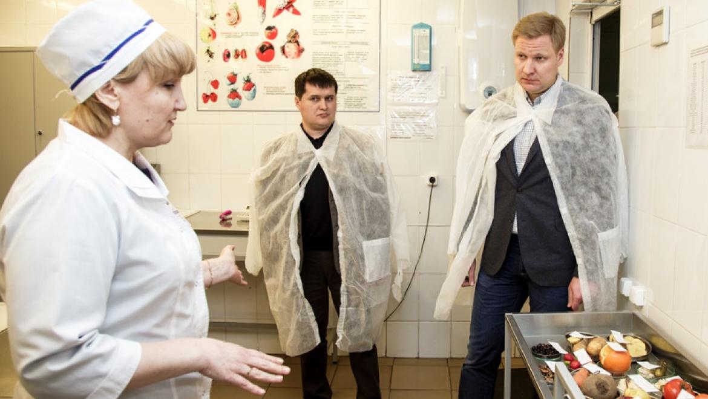 И.Кузнецов проинспектировал одну из казанских лабораторий ветеринарно-санитарной экспертизы