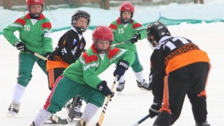 В Казани стартовал финальный турнир первенства страны по хоккею с мячом
