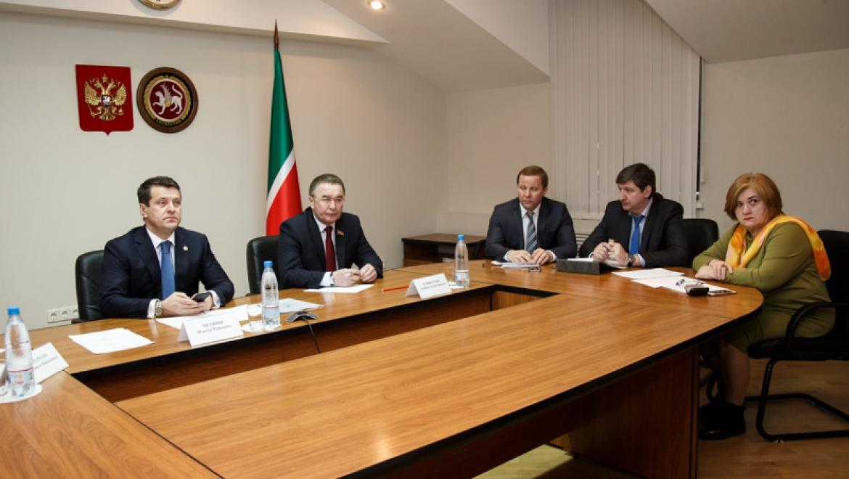 И.Метшин провел заседание рабочей группы Окружного совета по развитию местного самоуправления