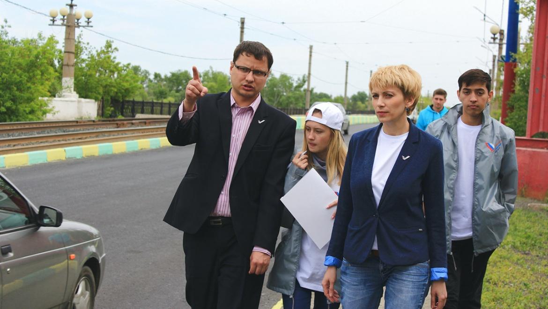 Активисты проверили качество ремонта дорог