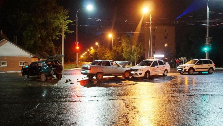 На проспекте Победы столкнулись пять автомобилей