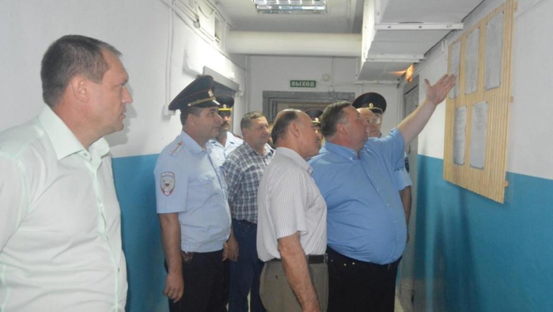 Анатолий Чадов проверил условия содержания в шарлыкском изоляторе