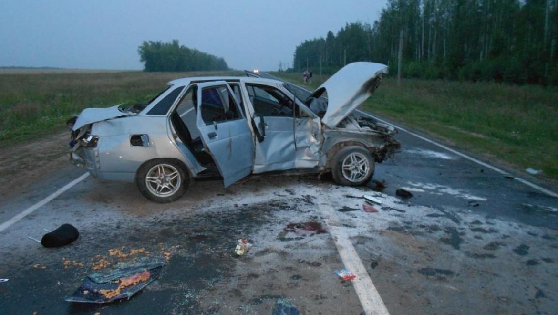 На трассе Бугульма-Уральск столкнулись 4 автомобиля