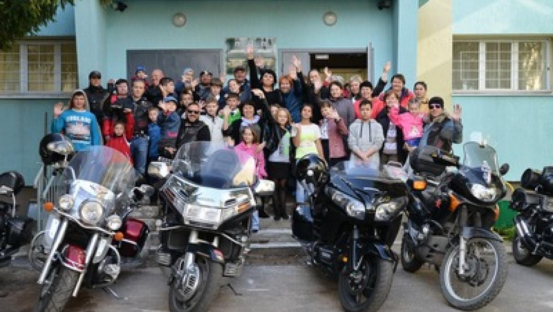 Казанские байкеры встретились с детьми с девиантным поведением
