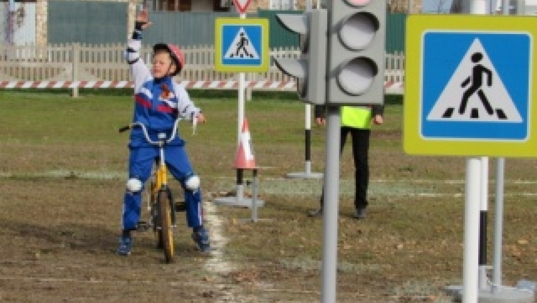 В Оренбургской области на базе средней школы открылся автогородок