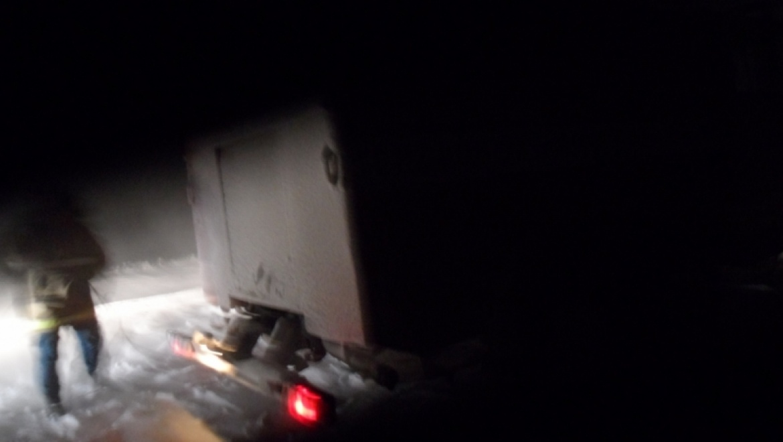В селе Зиянчурино спасатели вытащили 3 автомобиля из сугробов