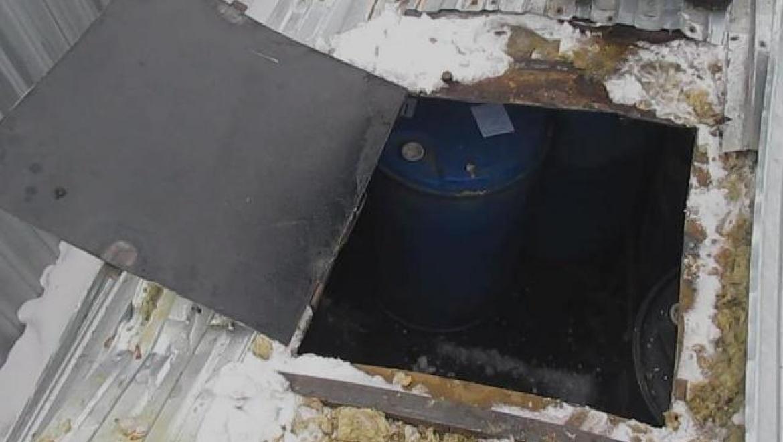 """""""Камаз"""" из Казахстана пытался провезти контрабандой почти 7 тысяч литров спирта"""