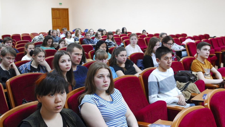 В ОГУ началось обучение студенческих отрядов
