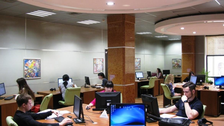 Оренбуржцы смогут посетить библиотеку им. Ельцина