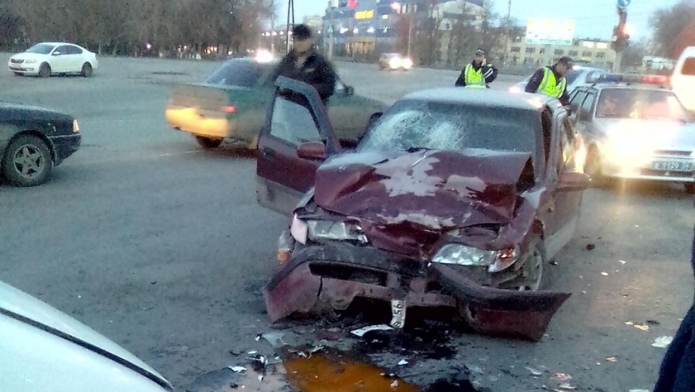 Утро в Орске началось с аварии