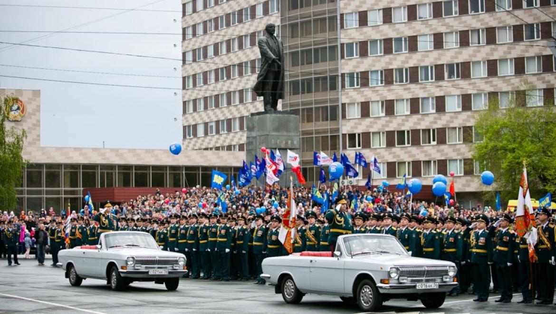 В Оренбурге состоялся праздничный парад Победы