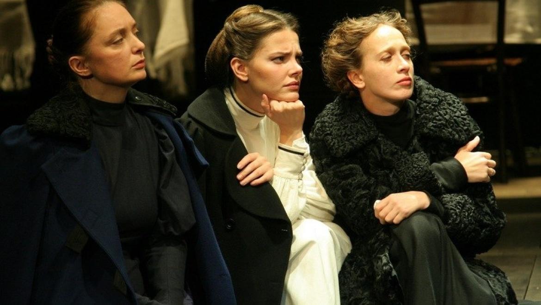 Спектакль «Три сестры» будет представлен в Оренбурге и Новотроицке