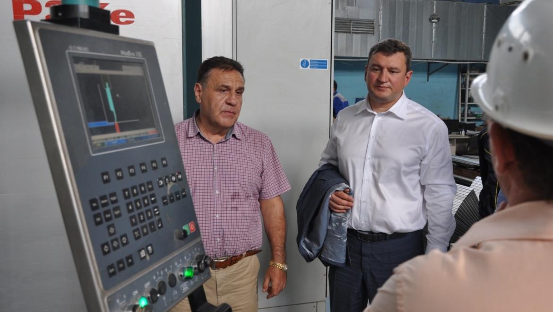 Евгений Арапов посетил производственные цеха Инвестиционно-строительной  компании
