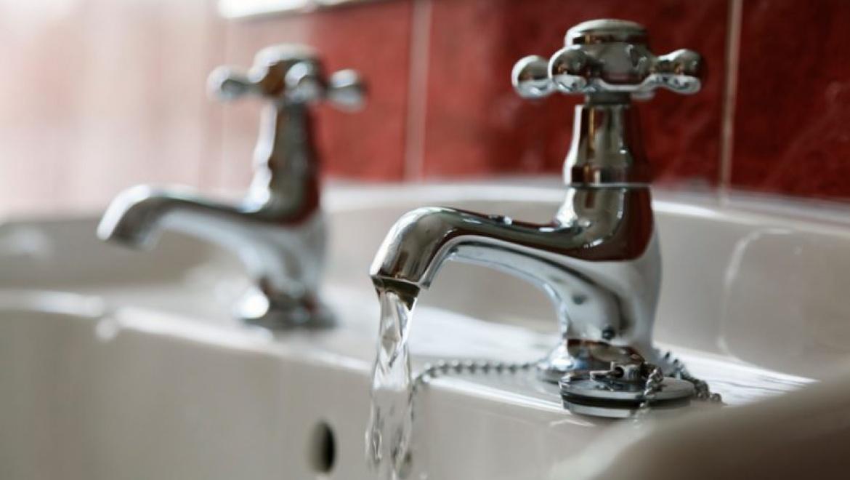 График отключения горячей воды на август