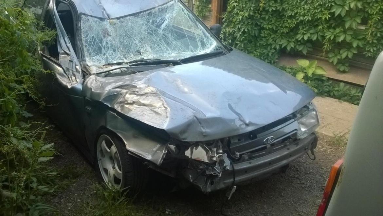 После аварии, водитель убрал разбитую машину и скрылся