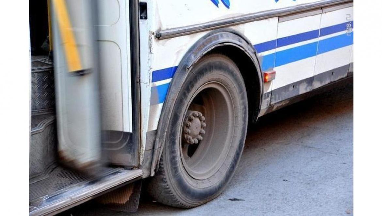 Пассажирка автобуса попала в больницу после резкого торможения
