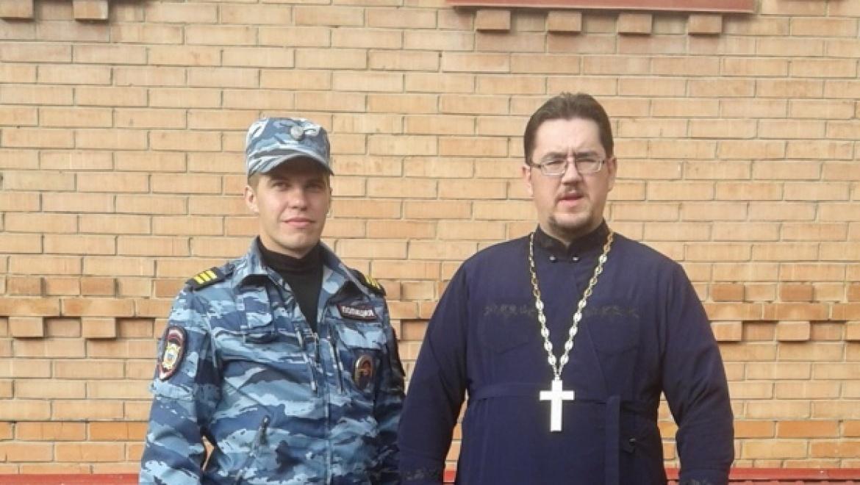 Полицейские встретились с представителем православной религиозной организации «Петра и Павла»