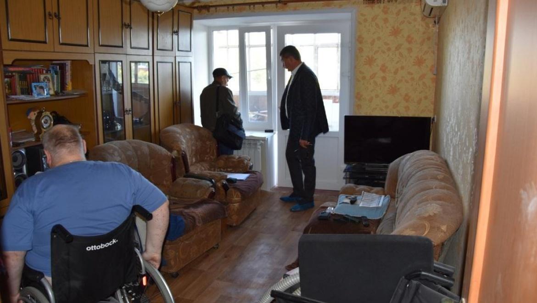В Оренбурге ремонтируют квартиры людей с ограниченными возможностями