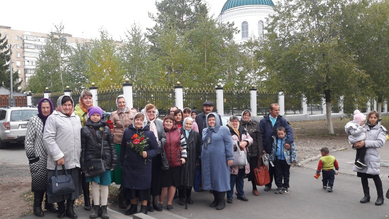 Жители Краснохолма поклонились иконе  Божией Матери Курская-Коренная «Знамение»