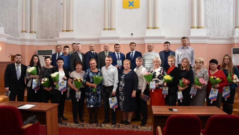Награждены лучшие предприятия Оренбурга, трудоустроившие несовершеннолетних в летнее время