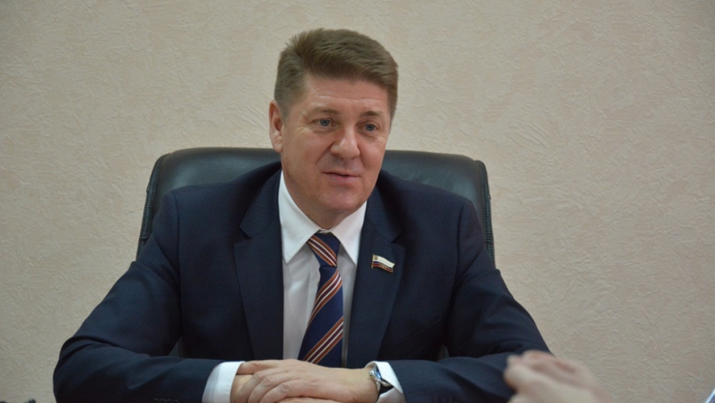 Сенатор от Оренбуржья Андрей Шевченко передаст личные документы в областной архив