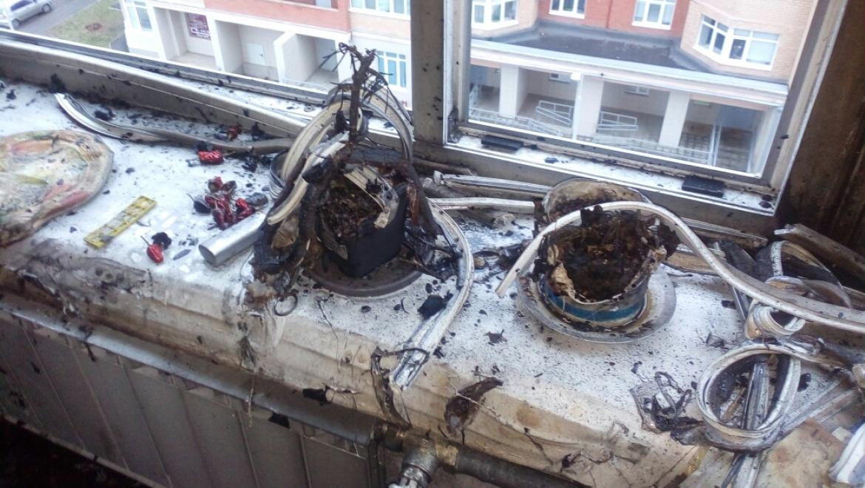 На Салмышской в многоэтажке загорелась квартира