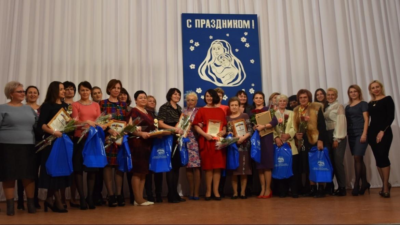 В Оренбурге прошёл праздник «Удивительная мама»