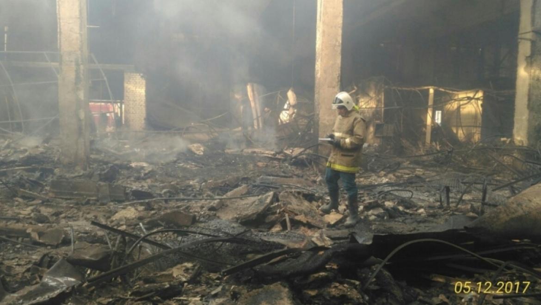 """Эксперты продолжают устанавливать причины пожара в ТЦ """"Мир"""""""
