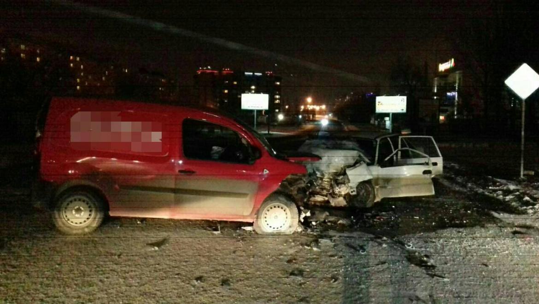 Напроезде Автоматики вечером столкнулись Дэу и Рено, пострадали трое