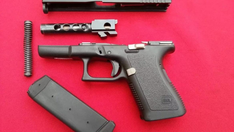 «Почта России» нашла австрийский пистолет вотправленной вОренбург посылке