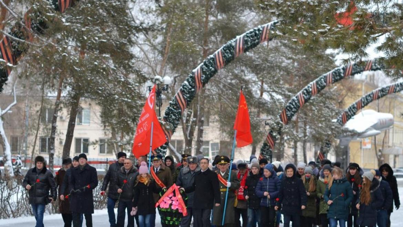 В честь юбилея Сталинградской битвы коммунисты Оренбурга провели памятные мероприятия