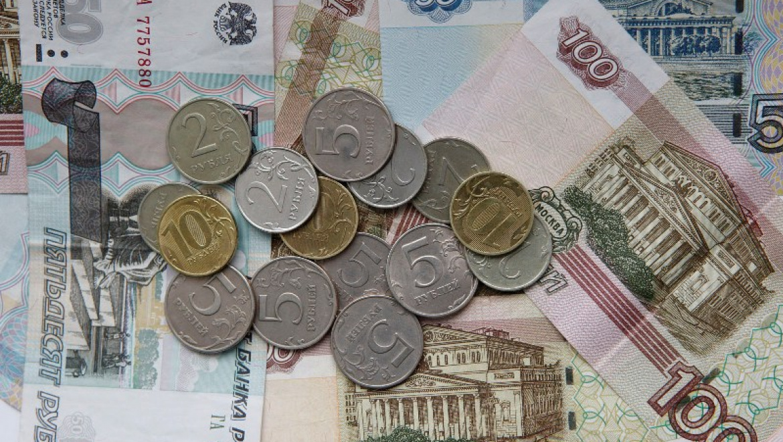 Знакомый похитил сто тысяч рублей