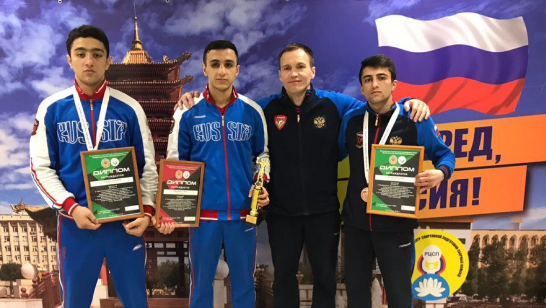 Габил Мамедов и Хикмет Гараев медалисты чемпионата РССС по боксу