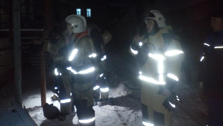 Пожар в жилом доме на Комсомольской