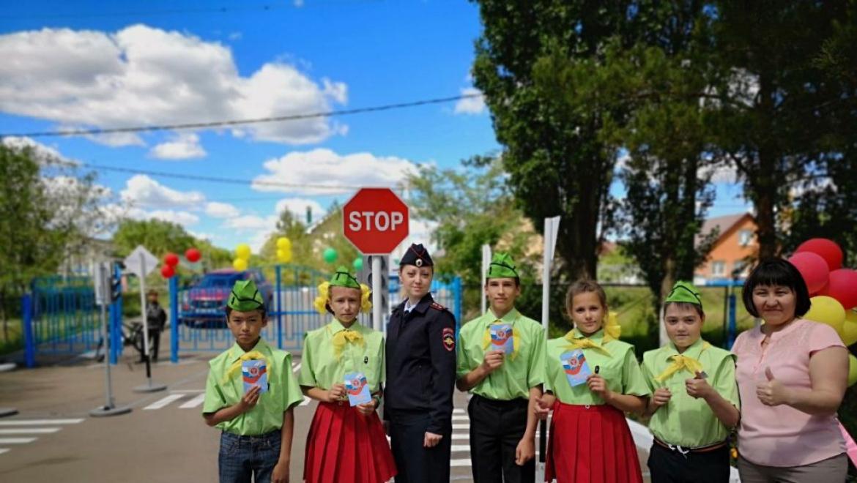 В МБОУ «Южноуральская СОШ» состоялось открытие учебно-тренировочной площадки по ПДД