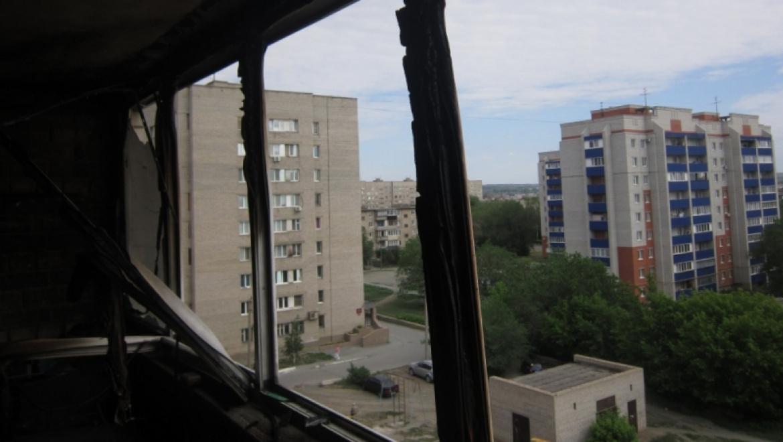 Пожар в многоэтажном доме города Орска