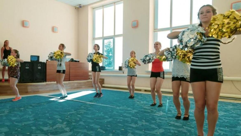 При поддержке «Газпромнефть-Оренбурга» в Оренбургском районе появилась команда чирлидеров