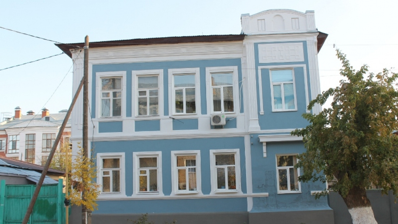 Волонтеры завершили реставрацию дома Сергея Калмыкова