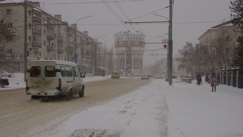 ДТП из-за снега на дорогах Оренбурга