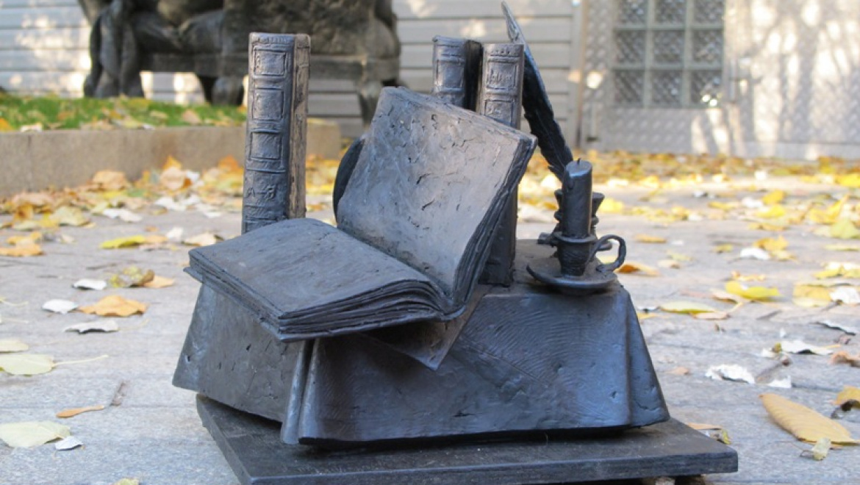 Будет ли установлен памятник словарю Даля в Оренбурге?