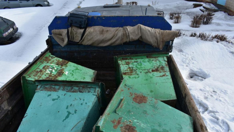 В Новотроицке полицейские забержали грабителей мусорных баков