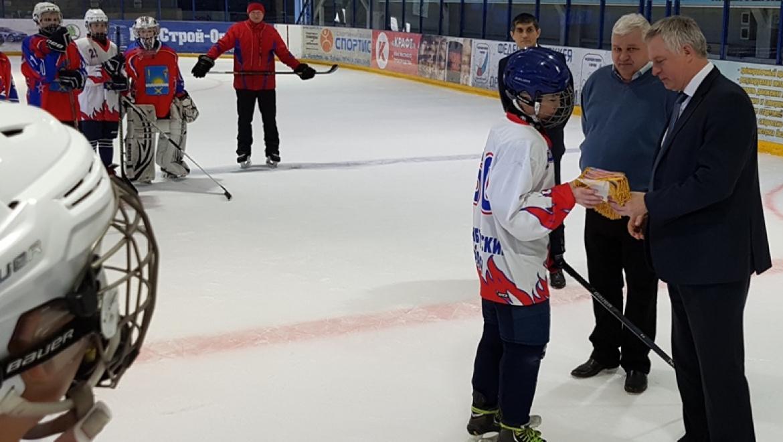 Хоккеисты Оренбургского района вышли в финал Всероссийского турнира «Золотая шайба»