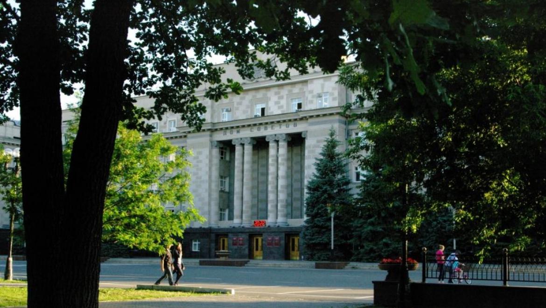 «Атриум» и 16-этажный недострой на площади Ленина необходимо убрать