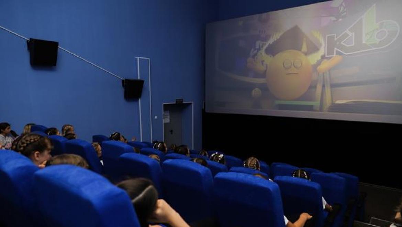 В селе Шарлык Оренбургской боласти открылся современный кинозал