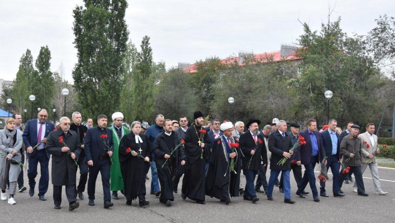 В сквере имени майора милиции В.П.Самохина возложили цветы