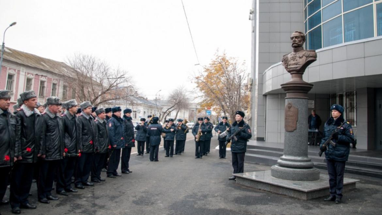 В Оренбурге открыли памятник А.Е.Тимашеву