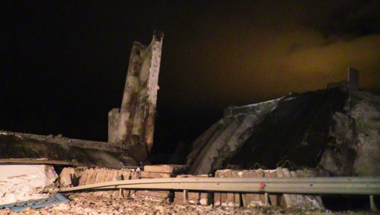 Предварительной причиной обрушения моста в Оренбурге назван проезд большегруза